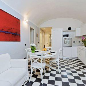 Rome Apartment Rental close to Colosseum