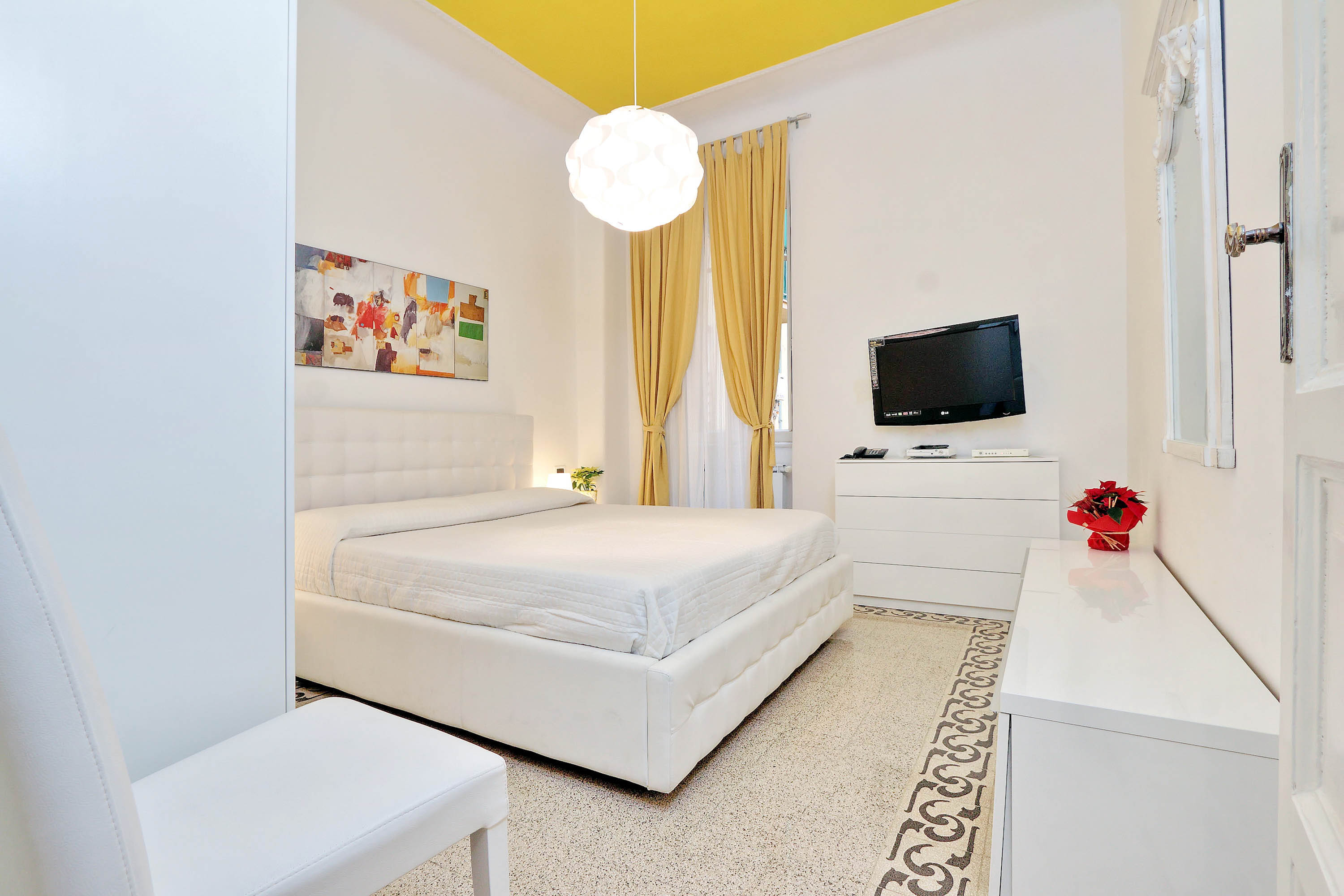 Self Catering Apartment near Colosseum