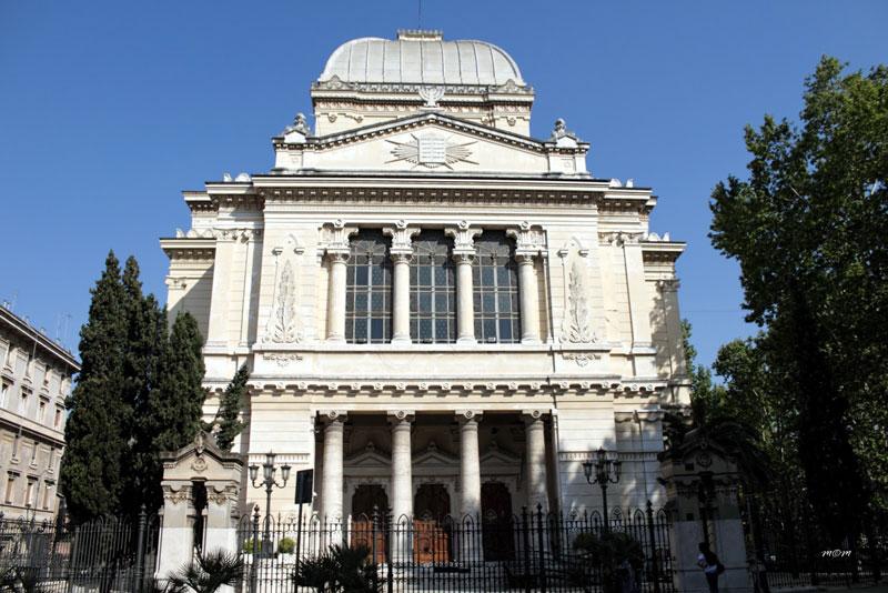 Fascinating Jewish Ghetto Trastevere and Tiberina Island Sinagoga