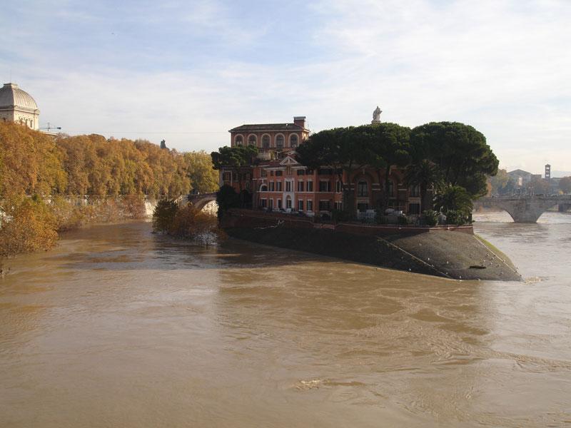 Fascinating Jewish Ghetto Trastevere and Tiberina Island