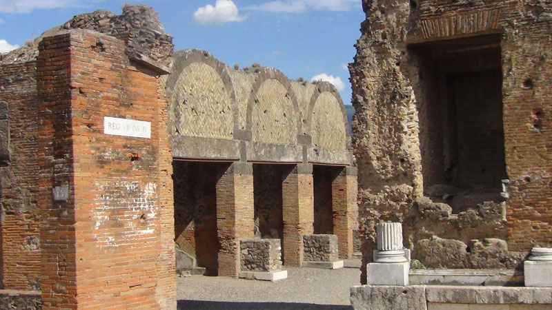 ancient pompeii naples guided group tour vesuvius